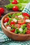 Tomatensalade met sla, kaas Royalty-vrije Stock Afbeelding