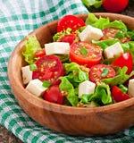 Tomatensalade met sla, kaas Stock Afbeelding
