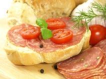 tomater för basilikabulleskinka Arkivbild