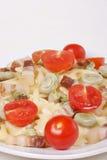 tomater för farfalle för baconbönor breda Royaltyfria Foton