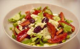 tomater för sallad för olivgrön för ostfeta grekiska Royaltyfri Fotografi
