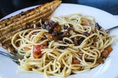 tomater för tie för snow för primavera för peppar för ärtor för pasta för morötter för sparrisbönabow nya Royaltyfri Foto