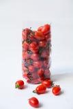Tomater i plastpåse Arkivbilder