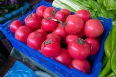 Tomates étant vendues au marché humide de La de Shangri photographie stock