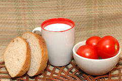 tomates молока хлеба Стоковые Изображения