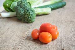Tomates, bróculi, pepino, foco selectivo de las remolachas Fotografía de archivo libre de regalías