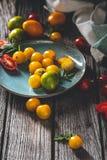Tomates d'héritage pour la cuisson images stock