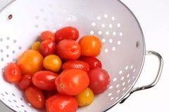 Tomates de bonbon à jardin image stock
