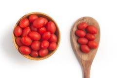 Tomates de cereja em uma bacia Imagem de Stock Royalty Free
