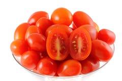 Tomates de cereja frescos (tomate do cocktail) em um cockt Foto de Stock