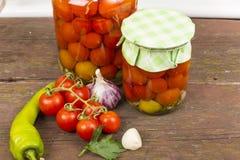 Tomates de mise en boîte Photos libres de droits