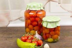 Tomates de mise en boîte Photos stock