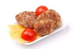 tomates de plaque de boulette de viande de fromage Image stock