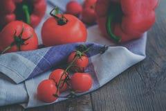 Tomates delichious da cereja fresca Fotos de Stock Royalty Free
