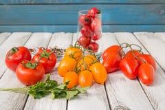 Tomates deliciosos vermelhos e amarelos Fotografia de Stock