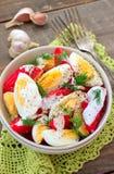 Tomates e salada dos ovos Imagens de Stock