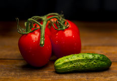 Tomates et concombre Image stock