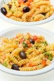 tomates fraîches d'olives de fusilli de fromage Image stock