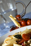 tomates italiennes de penne de pâtes de mozzarella Photo libre de droits