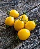 Tomates jaunes Photos libres de droits