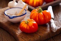 Tomates maduros da carne de seu próprio jardim Imagem de Stock Royalty Free