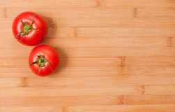 Tomates maduros frescos. Imagen de archivo
