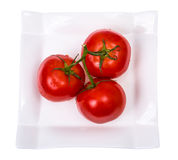 Tomates maduros frescos lavados com gotas de água Fotos de Stock