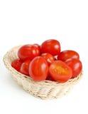 Tomates na cesta Imagens de Stock