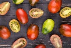 Tomates na placa Fotografia de Stock
