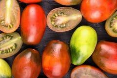 Tomates na placa Fotos de Stock