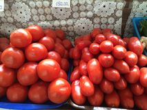 Tomates no contador Fotos de Stock Royalty Free