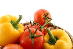 Tomates rouges et poivre jaune Images libres de droits