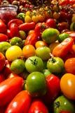 Tomates verdes no mercado Imagem de Stock Royalty Free