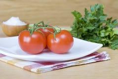 Três tomates vermelhos Fotos de Stock Royalty Free