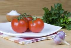 Três tomates vermelhos Fotografia de Stock Royalty Free
