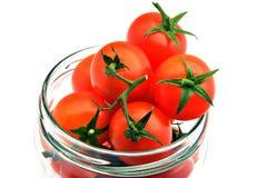 Tomates vermelhos pequenos fotografia de stock