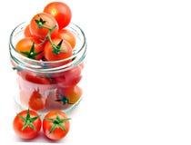 Tomates vermelhos pequenos fotografia de stock royalty free