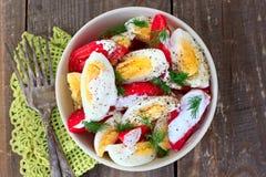 Tomates y ensalada de los huevos Fotografía de archivo