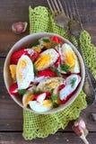 Tomates y ensalada de los huevos Imágenes de archivo libres de regalías