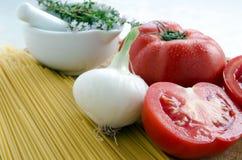 Tomates y pastas Fotografía de archivo