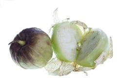 Tomatillo divisé en deux Images libres de droits