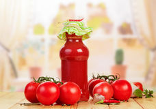 Tomato juice and tomatoes Royalty Free Stock Images