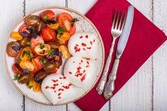Tomato salad with mozzarella Royalty Free Stock Photos