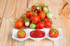 Tomato sauce and fresh tomato Royalty Free Stock Image