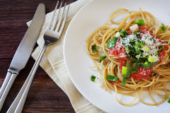 Tomato sauce whole wheat spaghetti pasta with fresh, fried scall Royalty Free Stock Photography