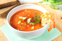 Tomato soup gazpacho with shrimps (prawns) Royalty Free Stock Photography