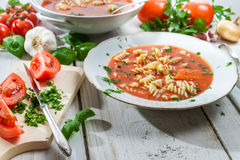 Tomato soup made of fresh vegetables Royalty Free Stock Photos