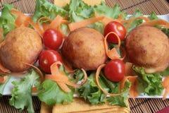 tomatoe салата донутов морковей кровати Стоковые Фото