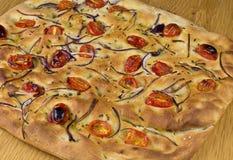 Tomatoe et pain d'oignon Photographie stock libre de droits