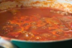 Tomatsås med gulasch #4 Arkivfoton